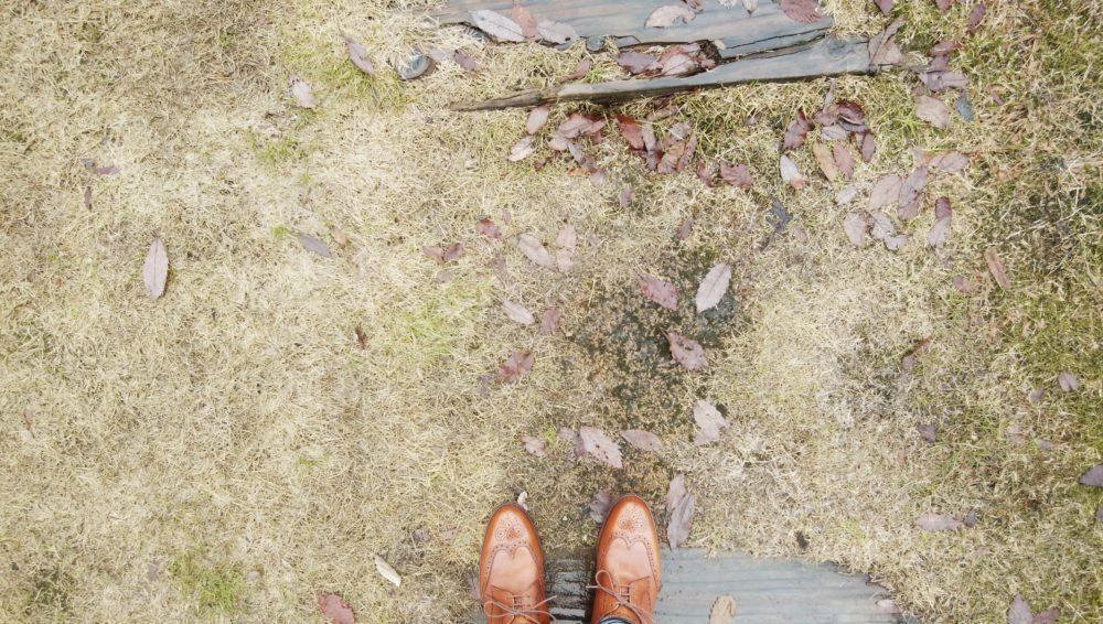 金沢湯涌創作の森 道中 革靴