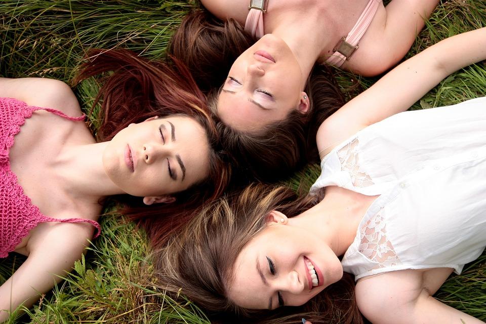 女性 多数 幸せ
