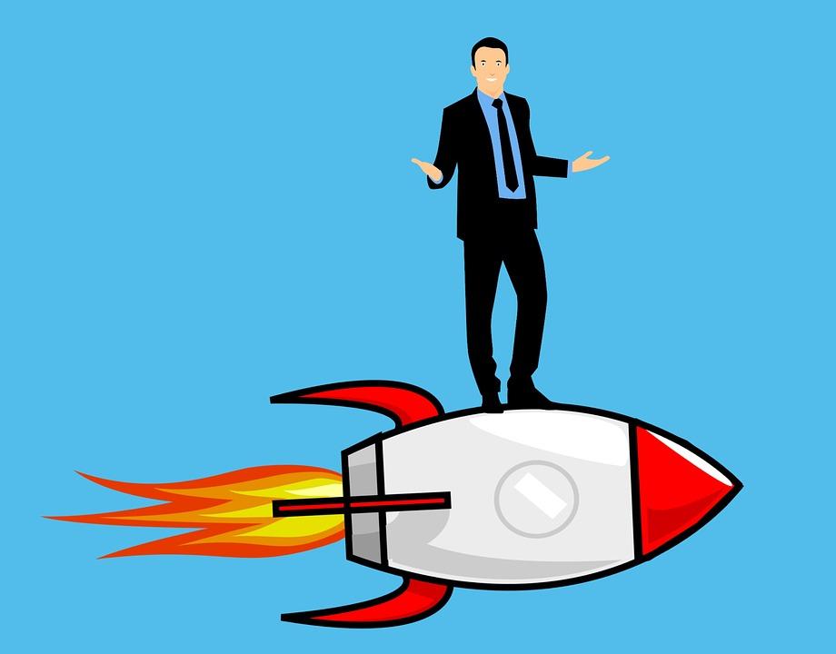 ロケットに乗った男性