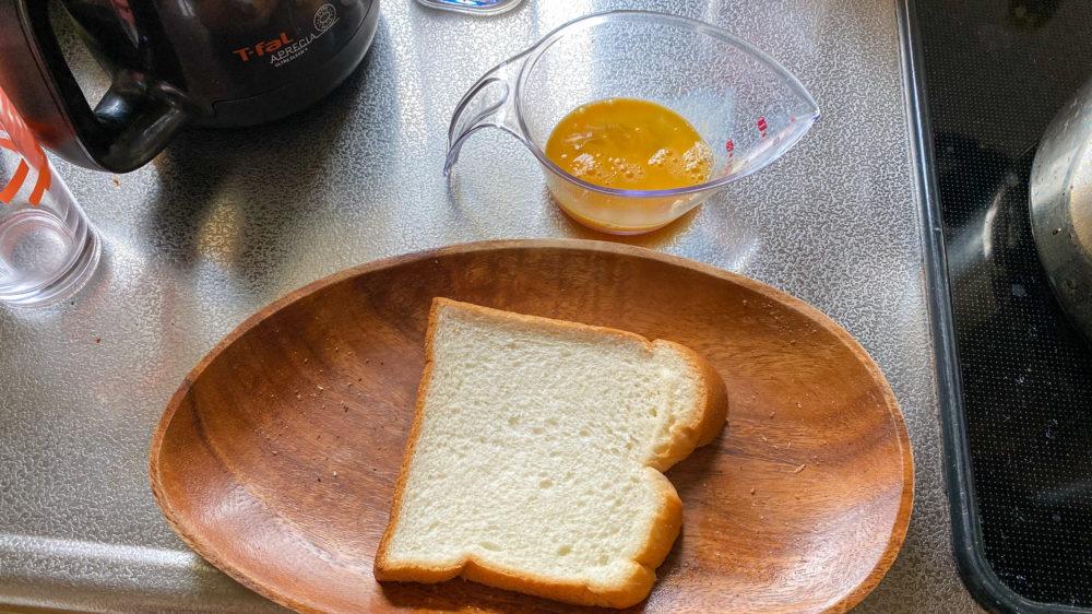 とき卵とパン