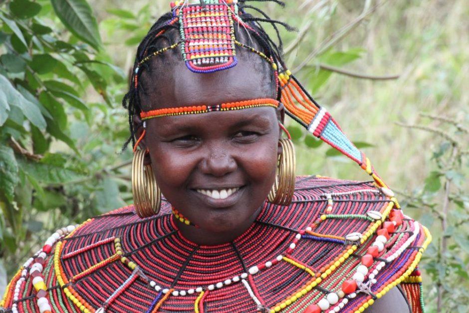 アフリカの民族の女性